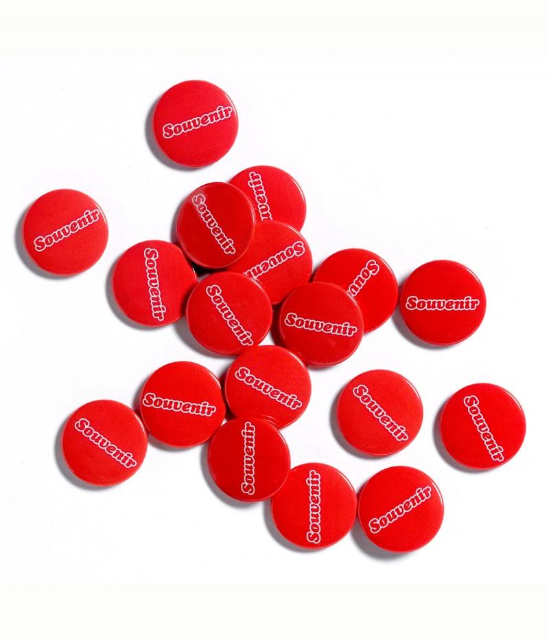 1200x1400_Souvenirs_Badges